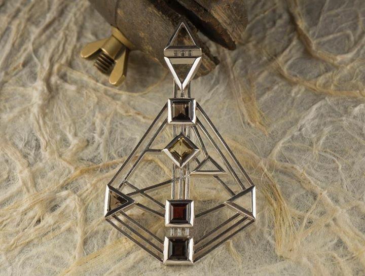 Human Design Jewellery- Generator`s Rave Bijou